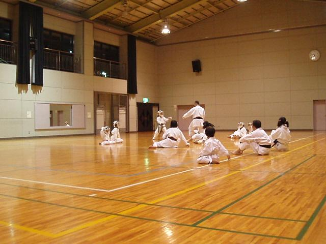 071003-keyaki-karate-005.jpg